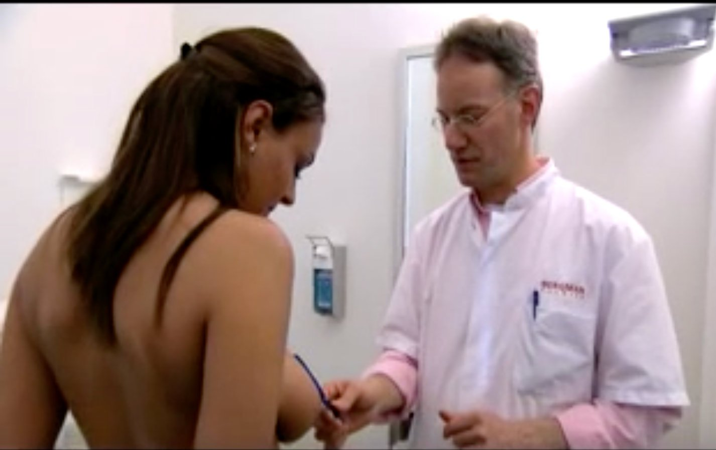 Video Bruststraffung Dr Sylvester M Maas MAAS AeSTHETICS.ch