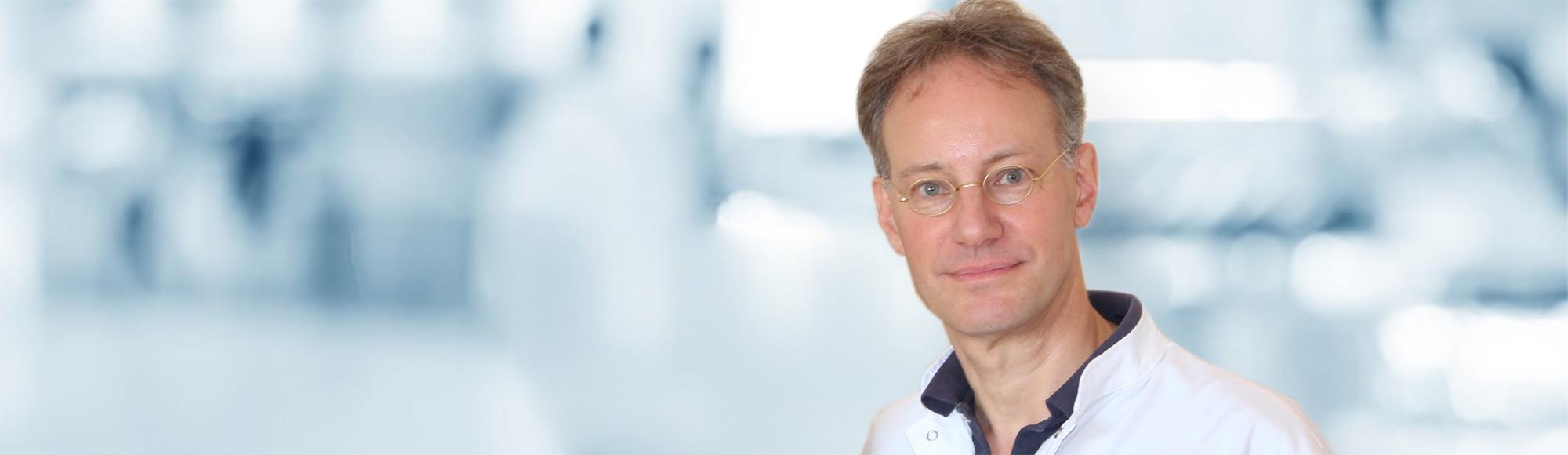 Dr Sylvester M Maas plastic surgeon